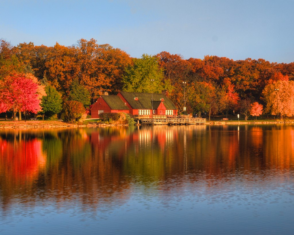 lake ellyn boathouse