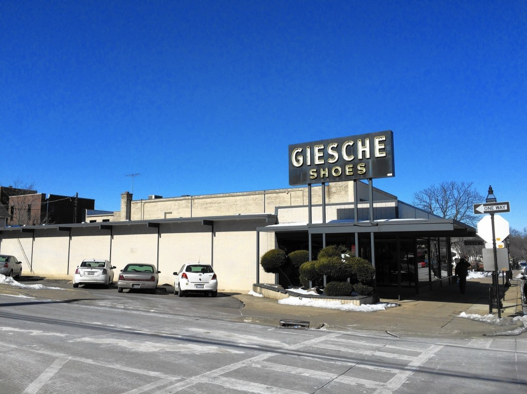 Giesche Shoes store Glen ELlyn