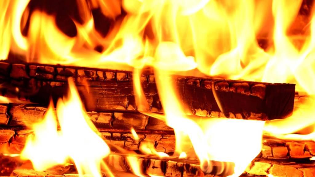 wood burning fire
